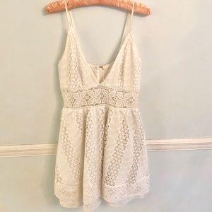 White dress. Size L